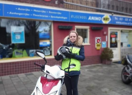 Scooterrijles geslaagde bij Scooterrijschool Animo-Nr.1 in Haarlem